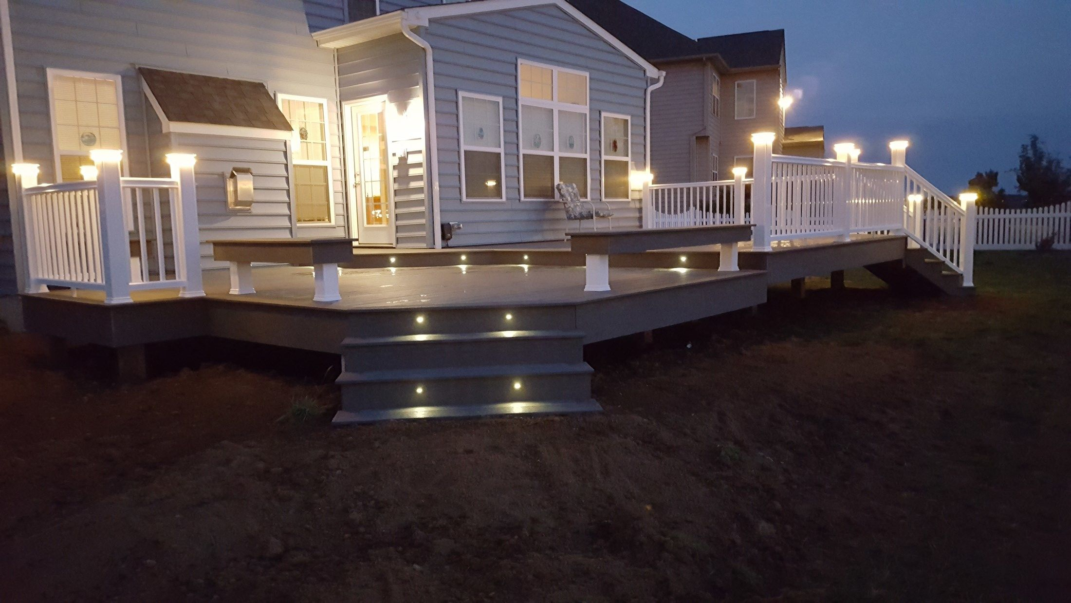 Timbertech Deck-Lighting & Benches - Picture 6507