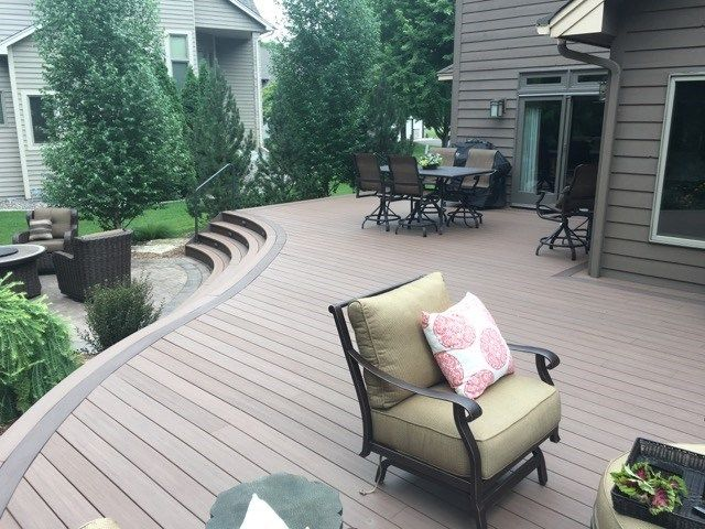 Curved Deck - Picture 6527