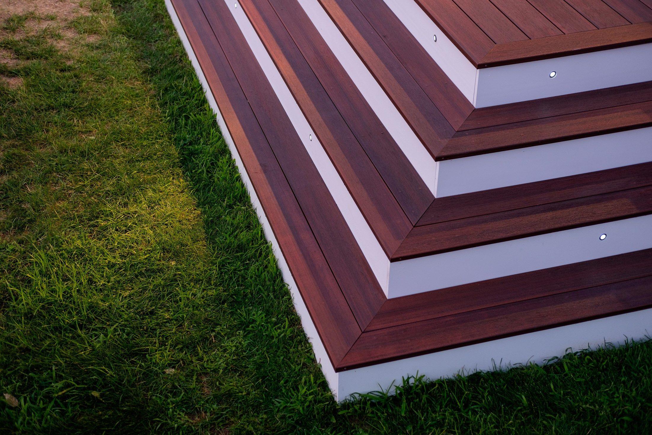 Decks - Picture 6574