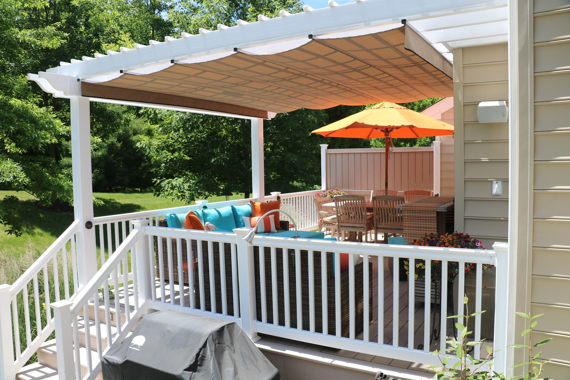 Azek Deck with Vinyl Pergola - Picture 6726