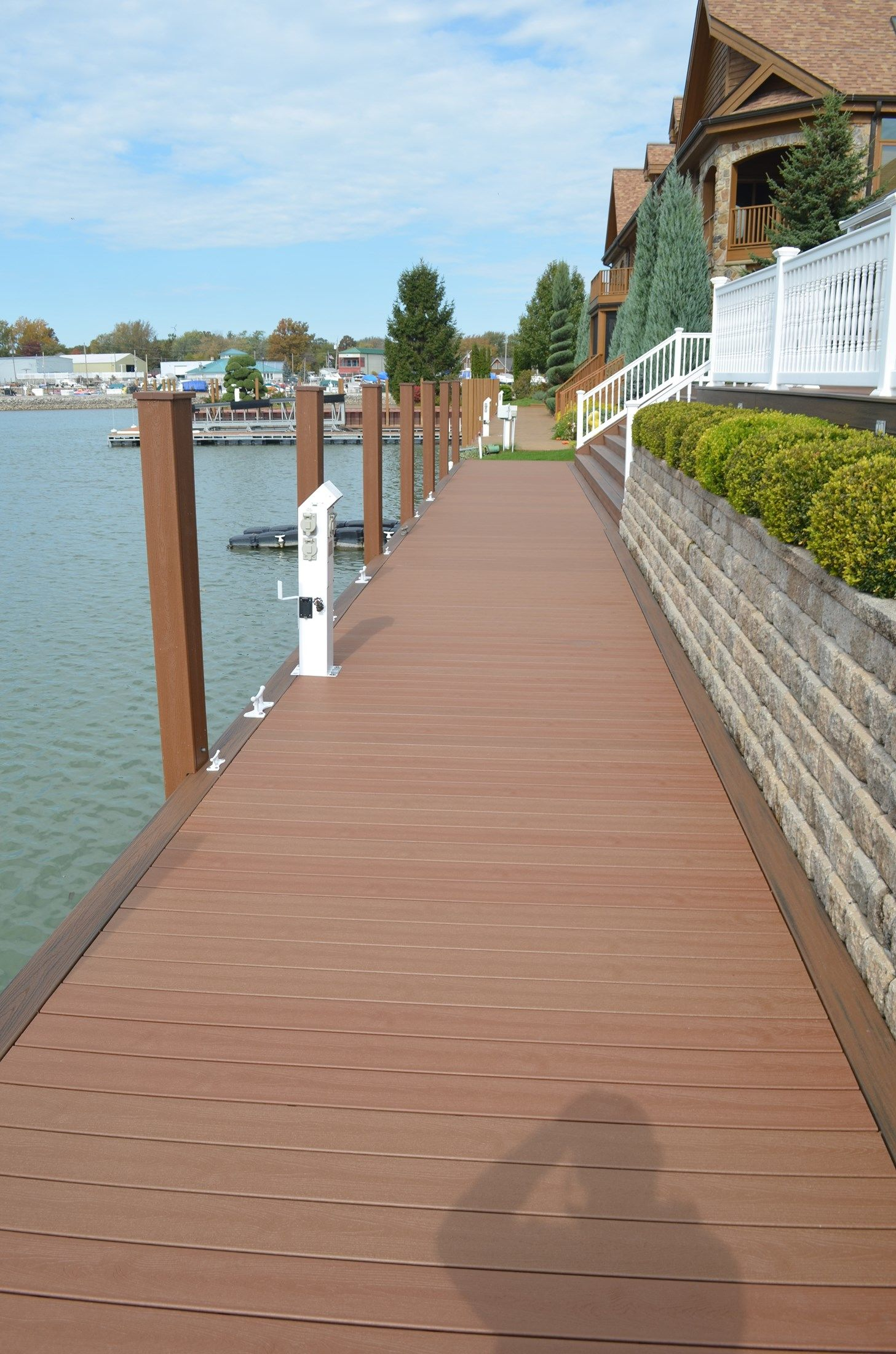 Low-Maintenance Dock - Picture 6882
