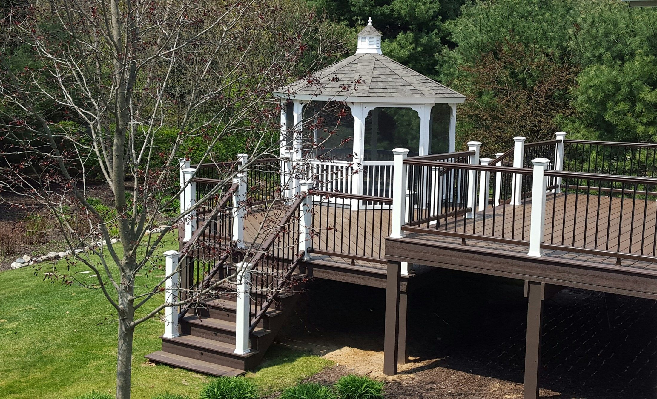 Saugatuck Deck & Gazebo - Picture 7000