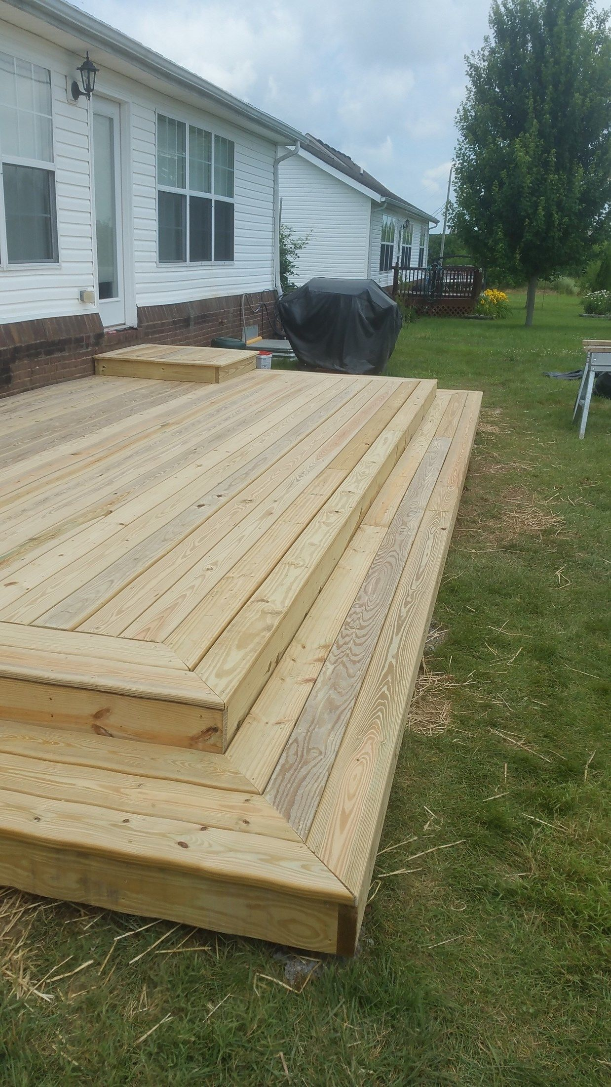 Back Yard Platform Deck - Picture 7042