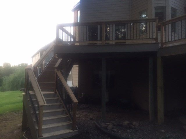 Cedar deck with aluminum baluster railings. - Picture 7218