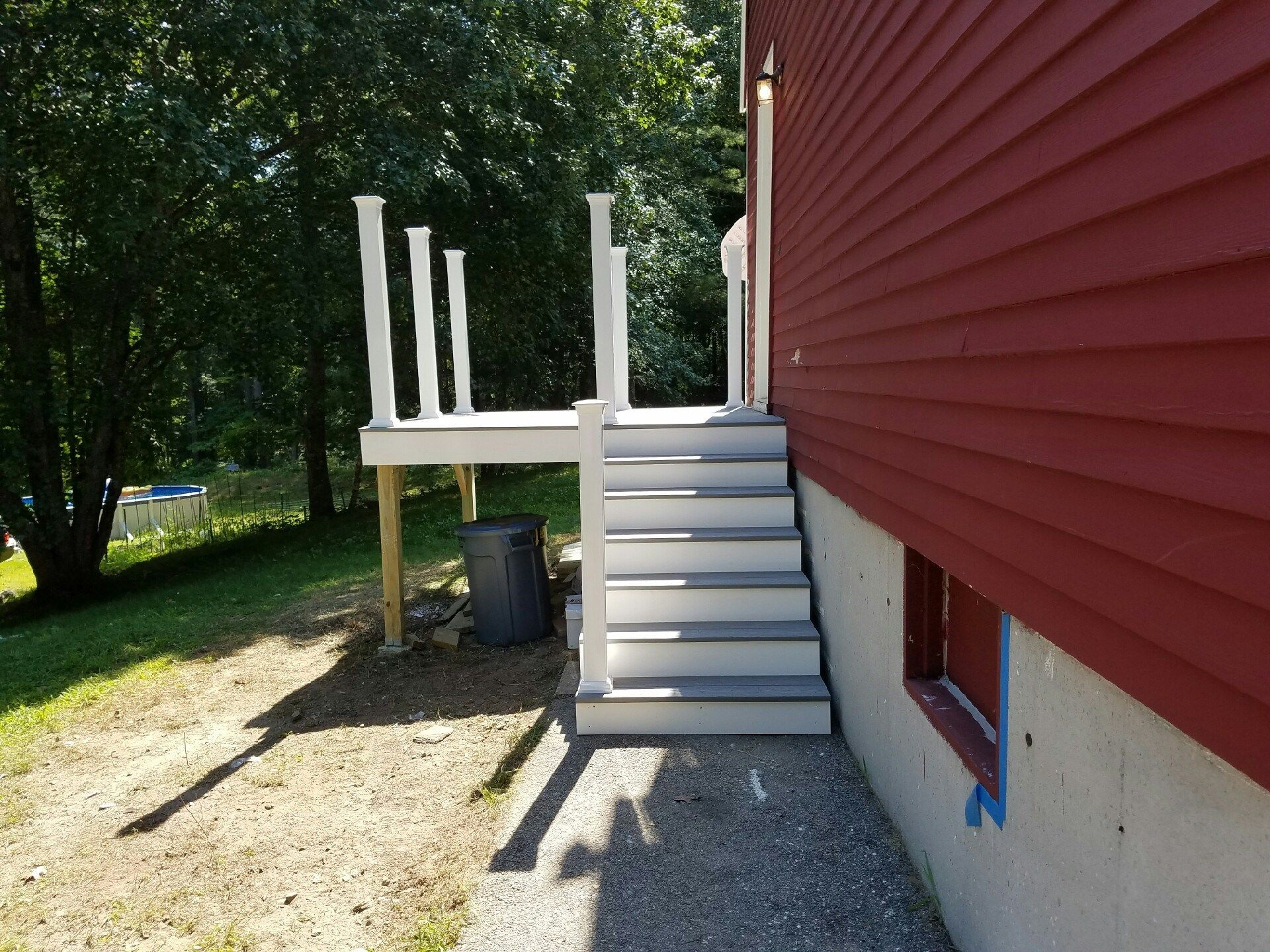 8x8 Composite Deck, Double Stairway - Picture 7314