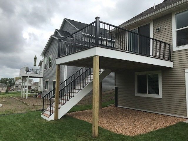 Low Maintenance Deck - Picture 7336