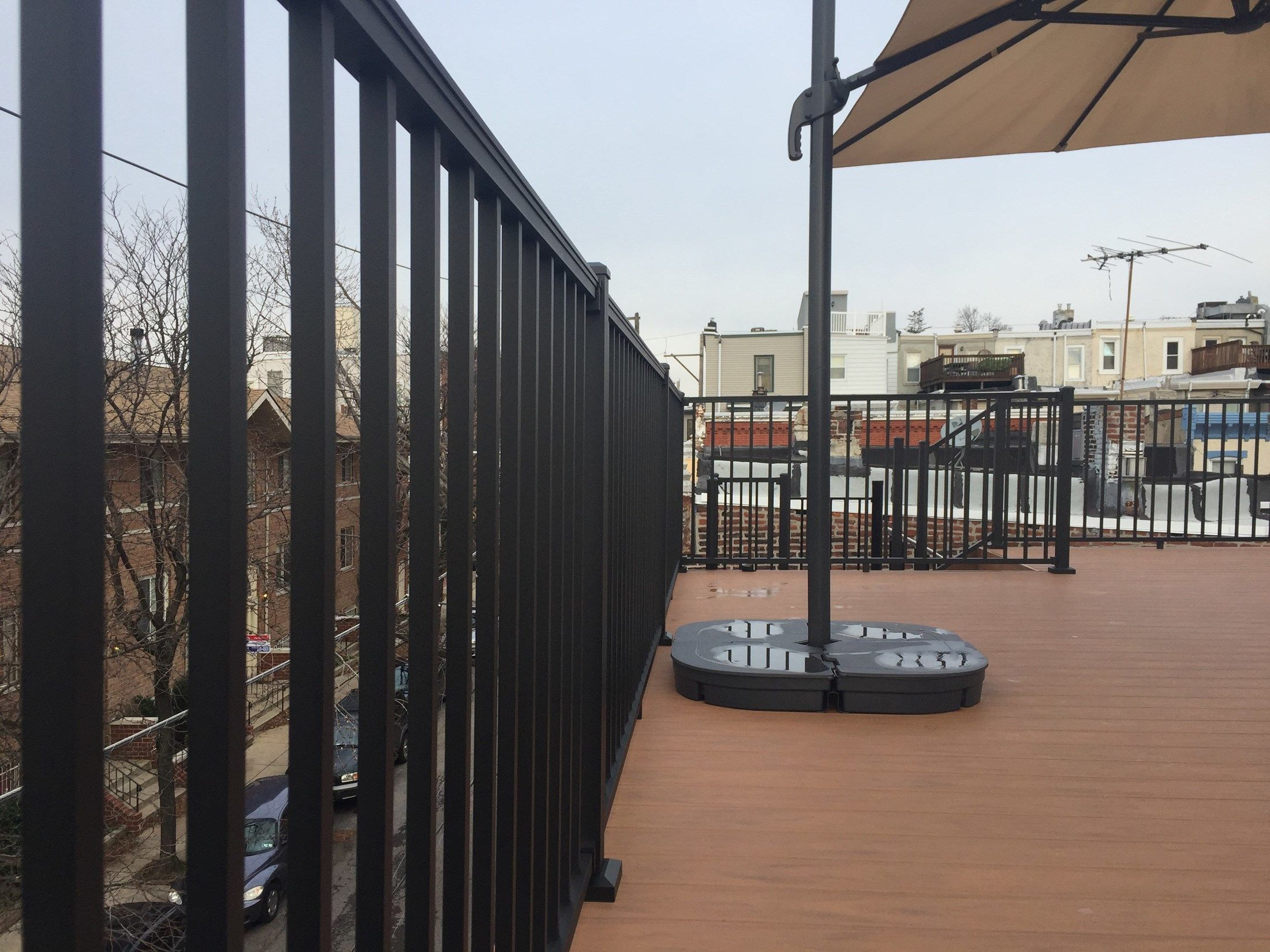 Roof Top Deck - Picture 7342
