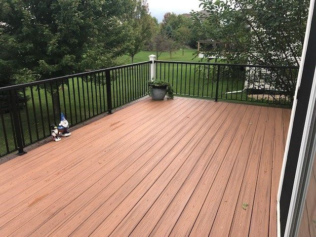 Woodbury Trex Deck - Picture 7397