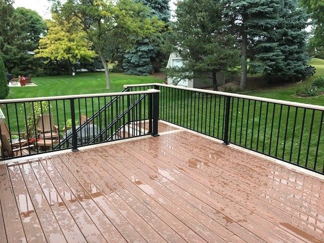 Maple Grove MN Trex Deck - Picture 7400