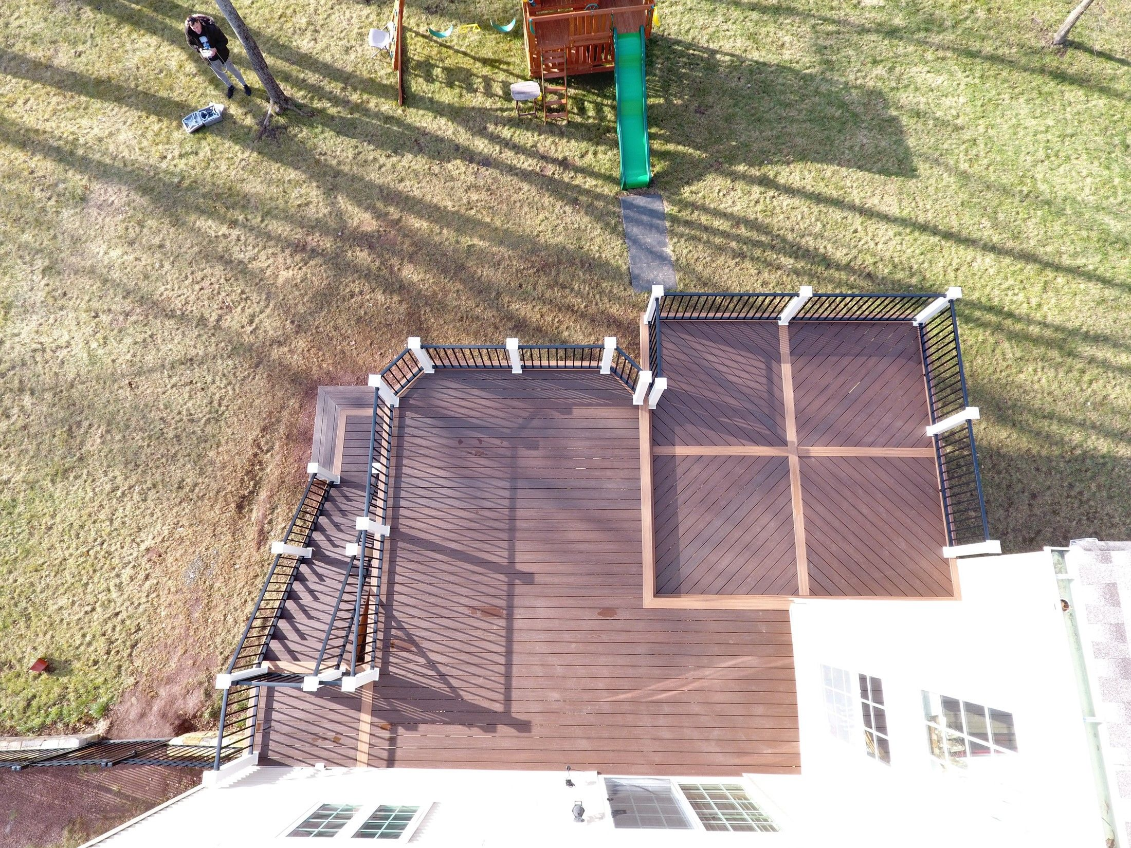 2 Level Deck, Custom Floor Pattern - Picture 7506