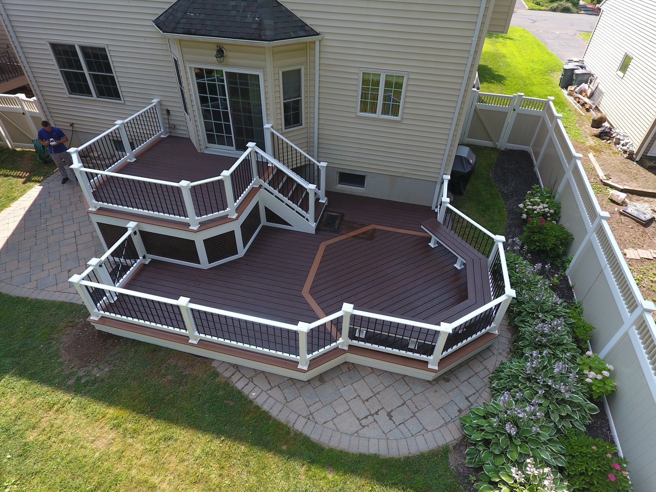 Custom 2 level deck - Picture 7513