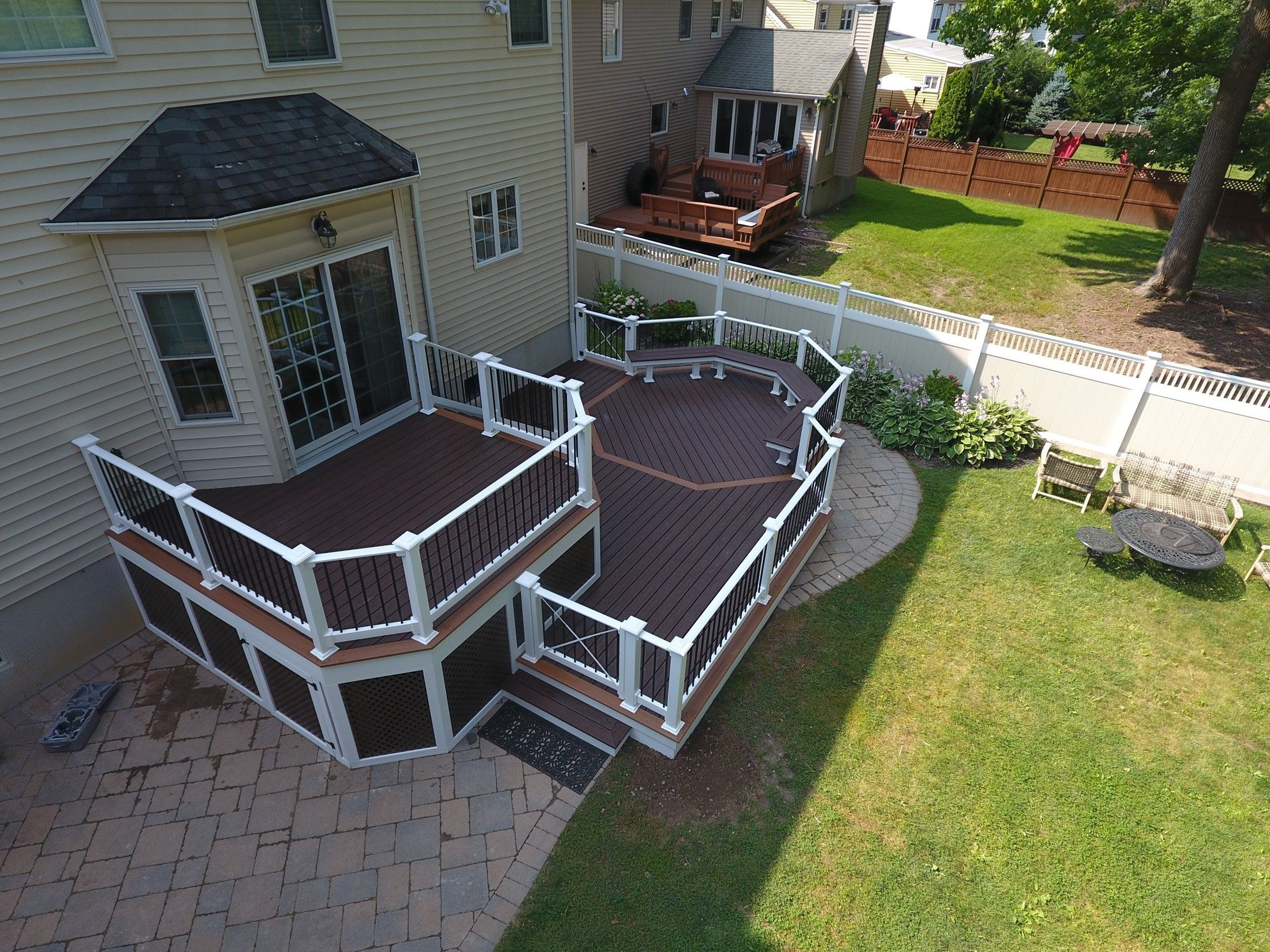 Custom 2 level deck - Picture 7515