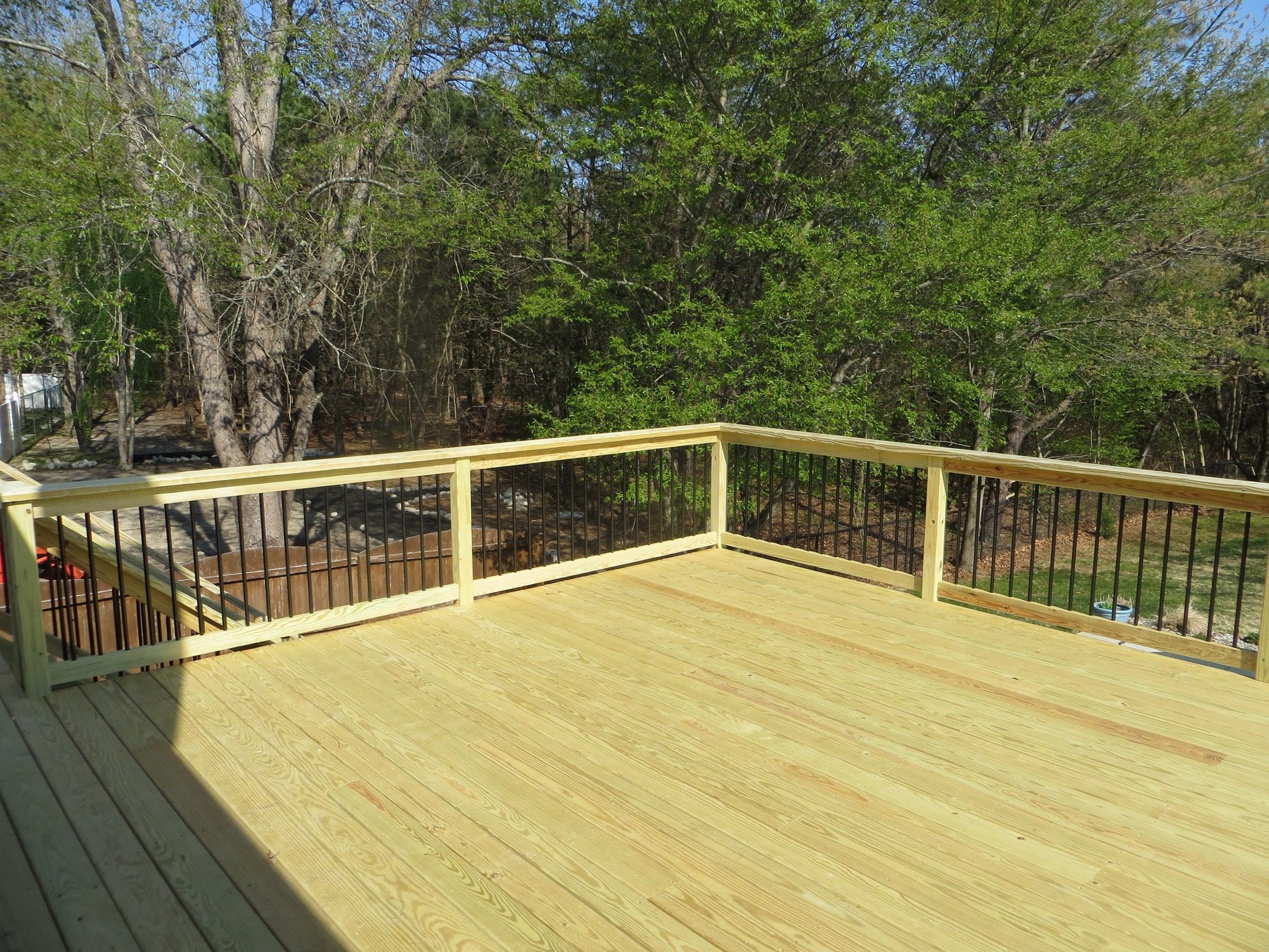 MANAHAWKIN TREATED DECK - Picture 7584