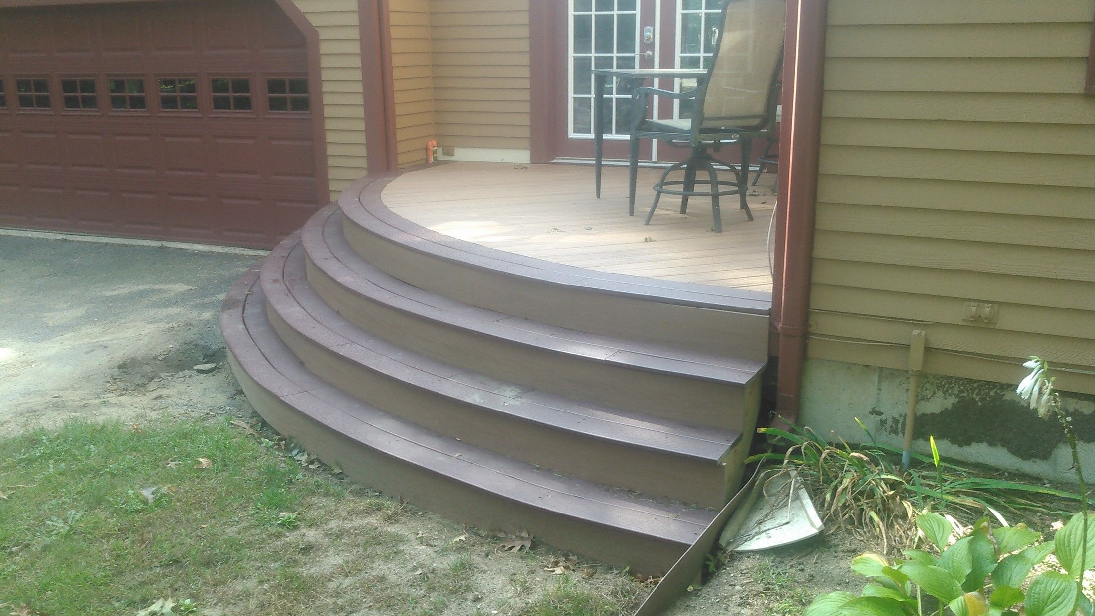 Trex Custom Curve Deck - Picture 7686