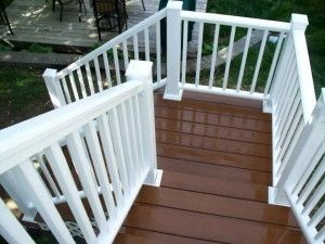 Composite deck with child proof gate - Picture 7787