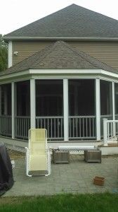 Octagon shaped screened porch - Picture 7818