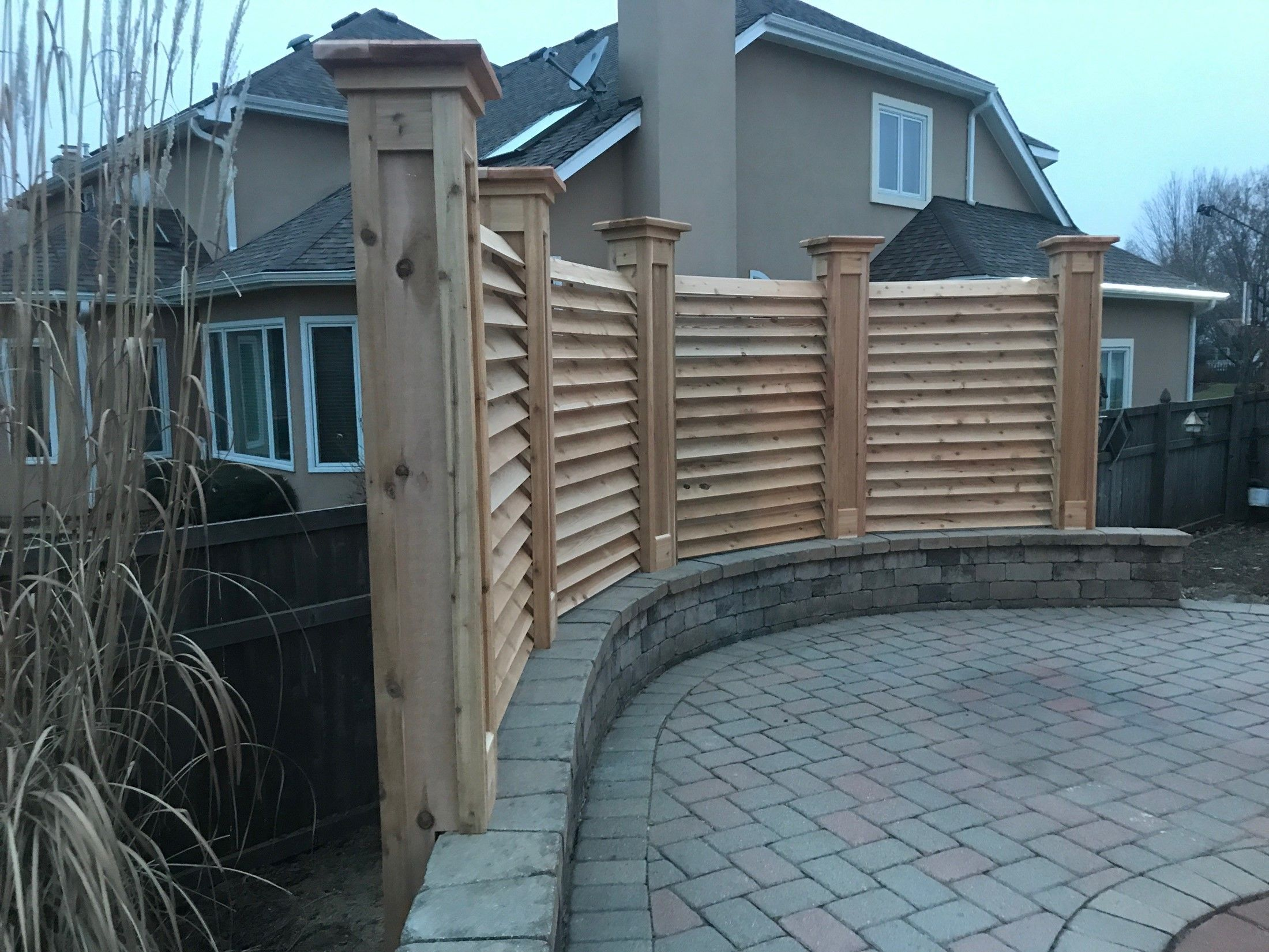 CURVED FENCE & PERGOLA PROJECT - Picture 7832