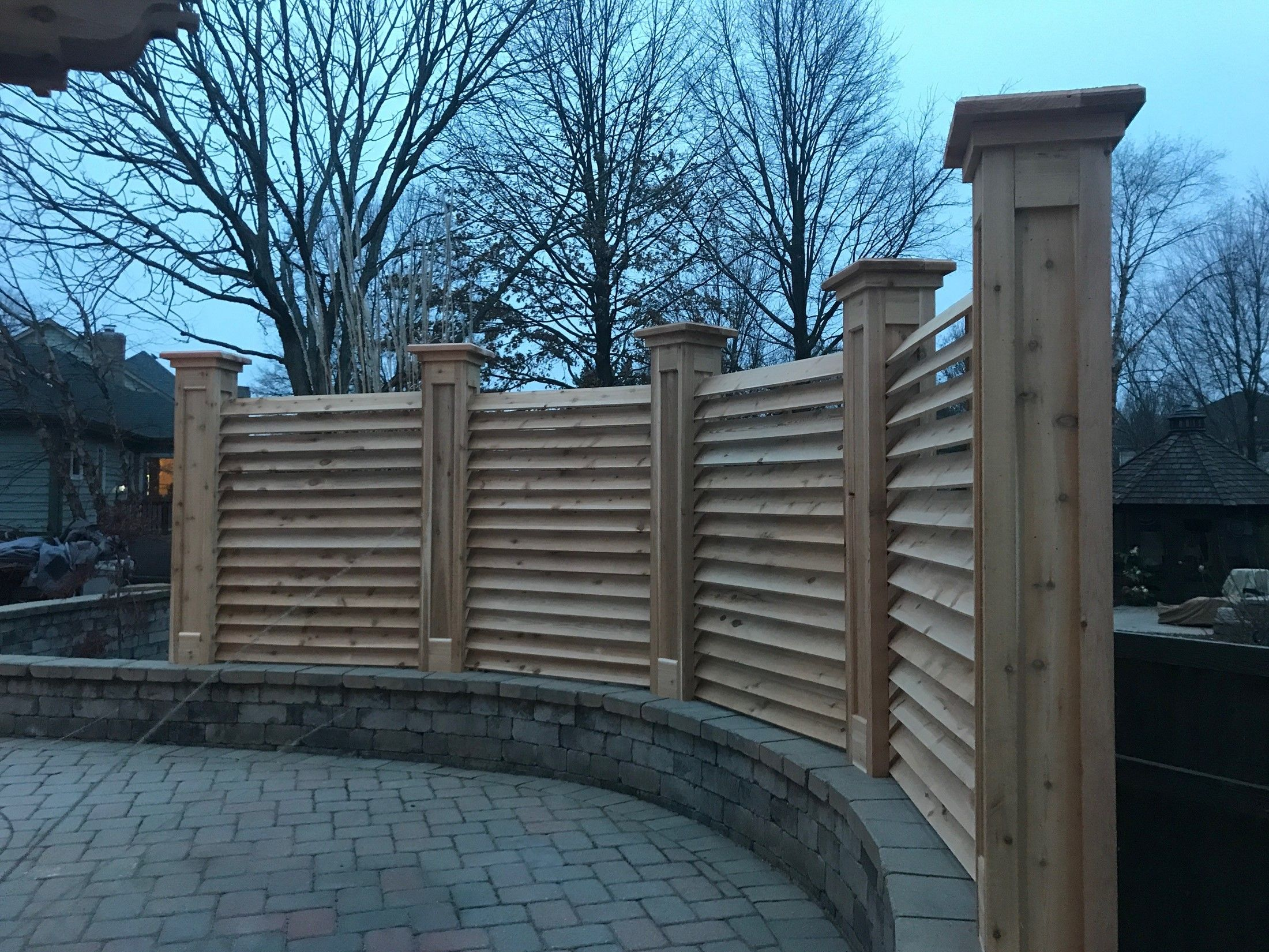 CURVED FENCE & PERGOLA PROJECT - Picture 7834