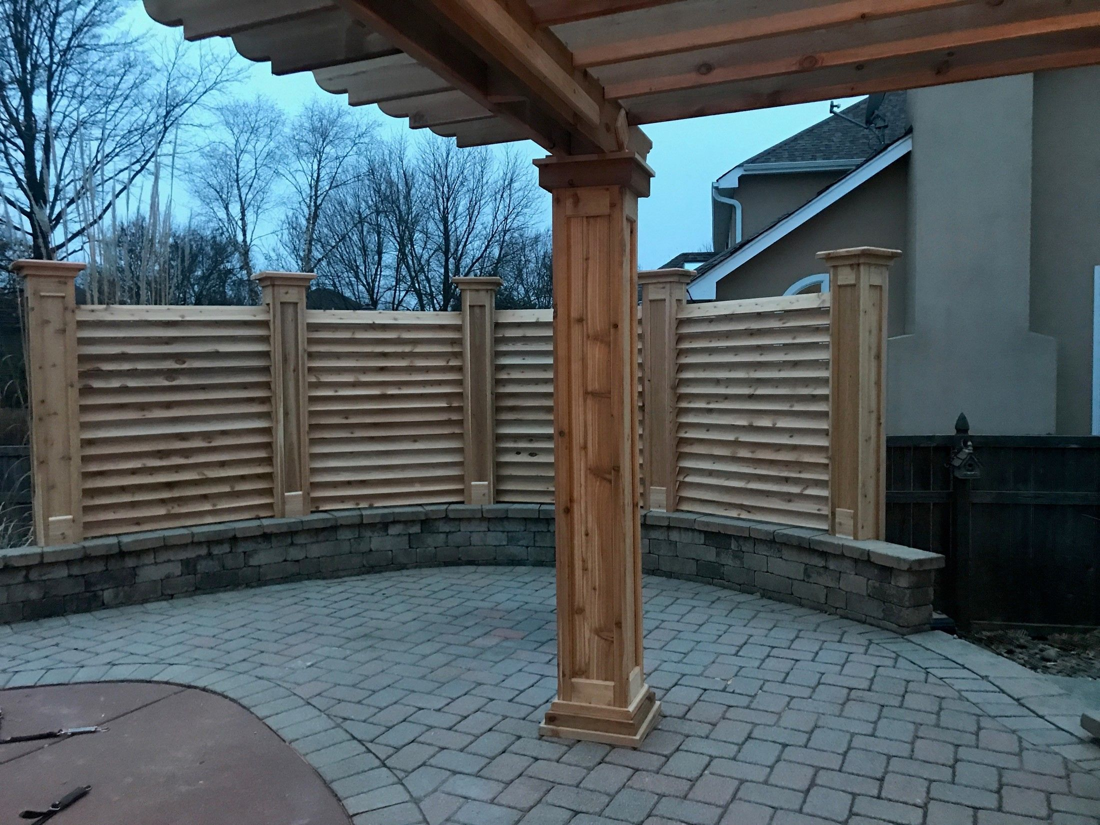 CURVED FENCE & PERGOLA PROJECT - Picture 7835
