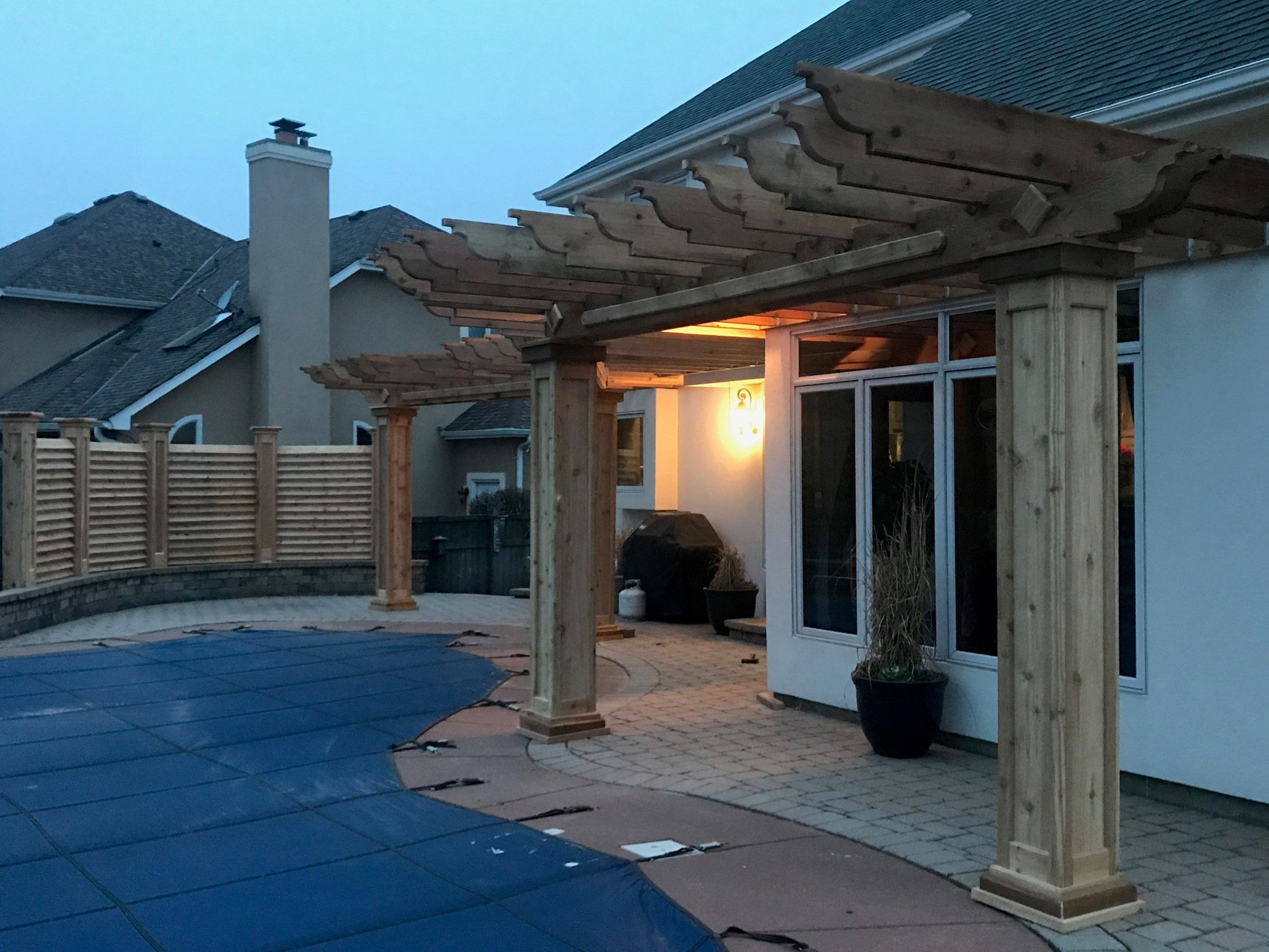 CURVED FENCE & PERGOLA PROJECT - Picture 7836