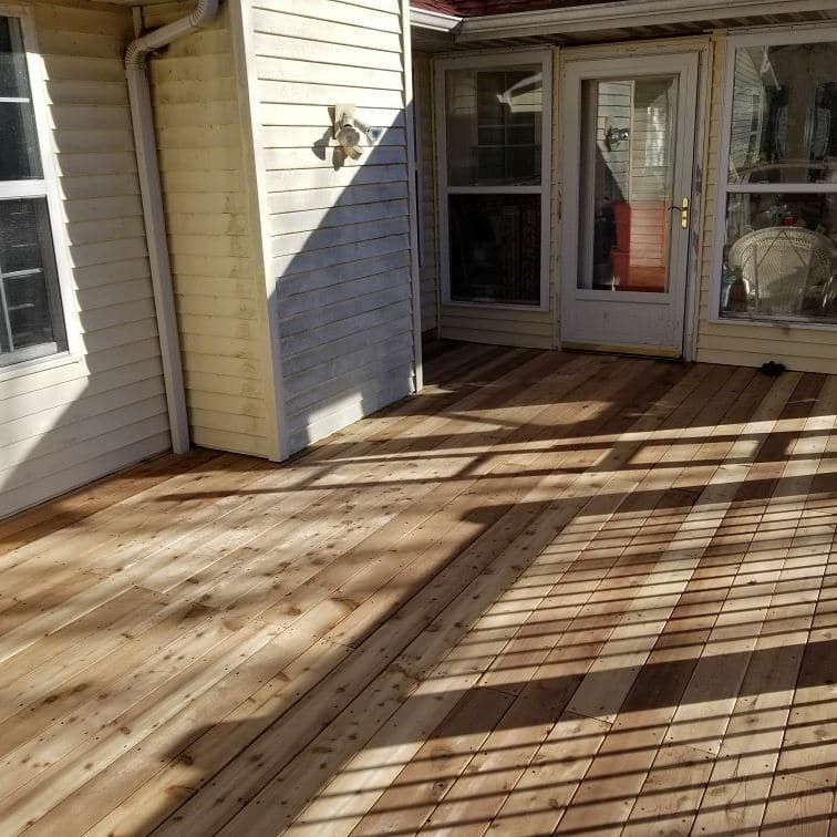 Cedar Decks - Picture 7904