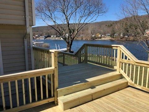 Shelton CT  P/T. Wood deck - Picture 7947