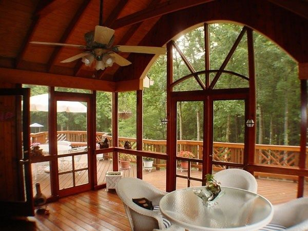 Custom porch with gable roof - Picture 2061