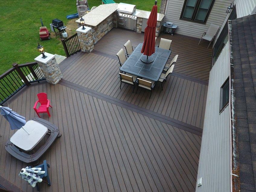 Entertaining Maintenance Free Deck/Kitchen - Picture 7497