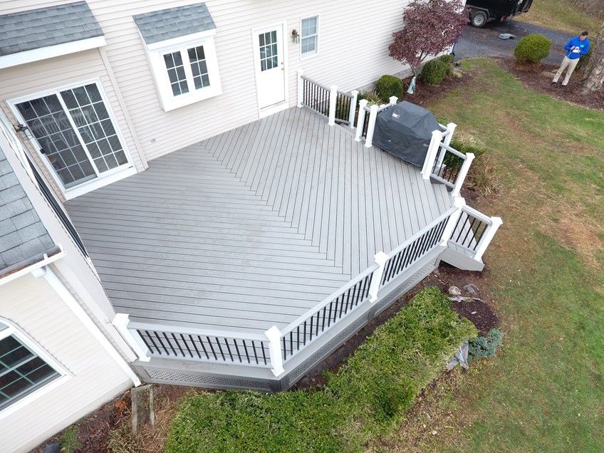Transcend decking and railing, custom steps - Picture 7524