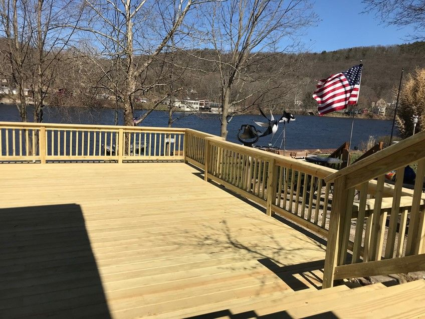 Shelton CT  P/T. Wood deck - Picture 7955